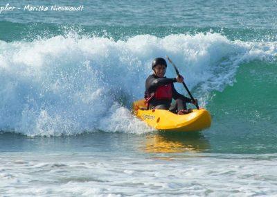 c dumbi_surf_kayak