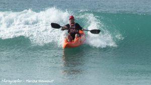 dumbi_surf_kayak5